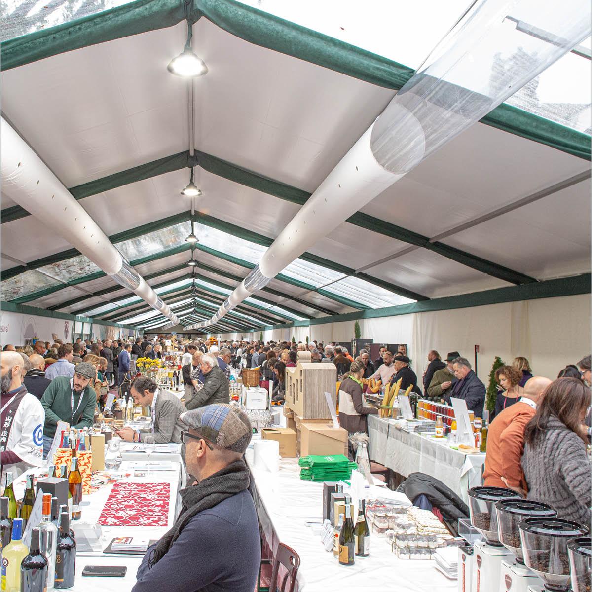 La GourmetArena è la location dedicata alle degustazioni di culinaria, acquaviti e birra